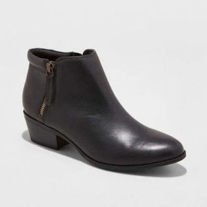 Mossimo Rita Double-Side Zipper Ankle Boots, Black